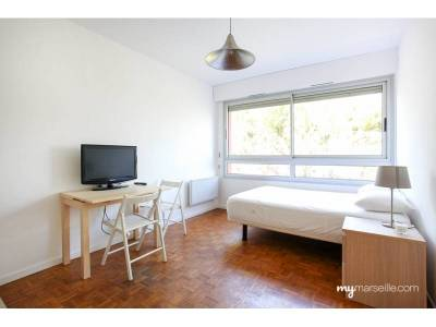 Location appartement meubl 1 pi ce 21m sainte anne 8 me for Location studio meuble marseille