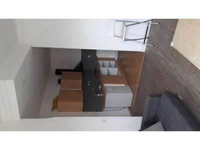 Location appartement meubl 2 pi ces 45m saint lazare for 3 fenetres marseillais