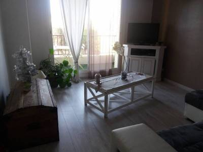 location appartement meubl 2 pi ces 50m saint giniez 8 me marseille ref 86378. Black Bedroom Furniture Sets. Home Design Ideas