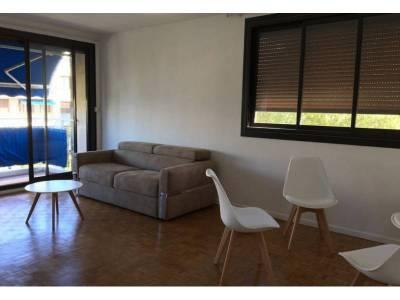 location appartement meubl 2 pi ces 60m le cabot 9 me marseille ref 83289. Black Bedroom Furniture Sets. Home Design Ideas