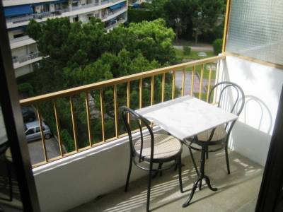 Location appartement meubl 20m cinq avenues 4 me for Location appartement meuble a marseille