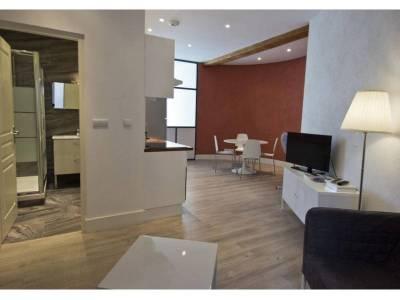 location appartement meubl 3 pi ces 45 m h tel de ville 2 me marseille ref 76710. Black Bedroom Furniture Sets. Home Design Ideas