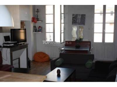 location appartement meubl 4 pi ces 64m le chapitre 1er marseille ref 75607. Black Bedroom Furniture Sets. Home Design Ideas