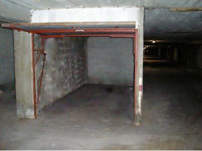 location parking souterrain 13 m la delorme 15 me marseille ref 26264. Black Bedroom Furniture Sets. Home Design Ideas