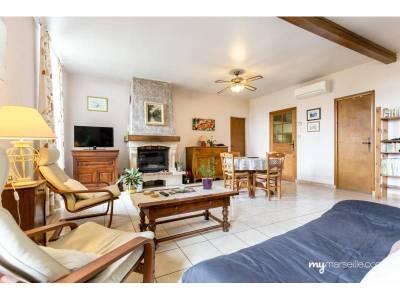 vente appartement 3 pi ces 76m la croix rouge 13 me marseille ref 72630. Black Bedroom Furniture Sets. Home Design Ideas
