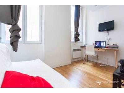 Vente appartement meubl 1 pi ce 16 m noailles 1er for Appartement design centre marseille vieux port et noailles