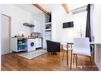 vente appartement meubl 1 pi ce 20 m op ra 1er marseille ref 85684. Black Bedroom Furniture Sets. Home Design Ideas
